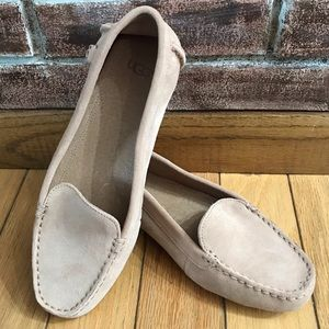 UGG Women's Suede Tan Flores Flat Size 8.5